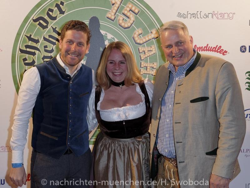 D160429-19370450-100-Nacht_der_Tracht