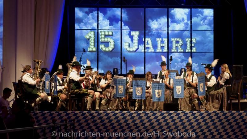 D160429-21031590-100-Nacht_der_Tracht