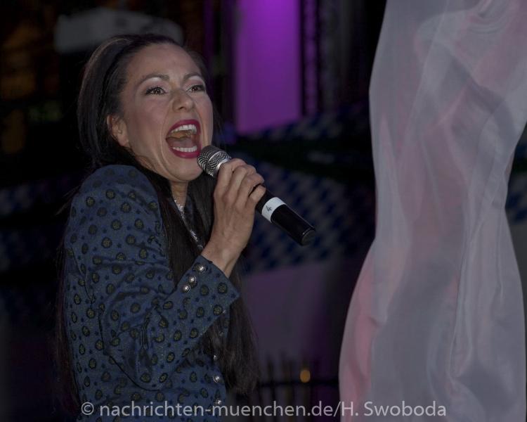 D160429-21182310-100-Nacht_der_Tracht