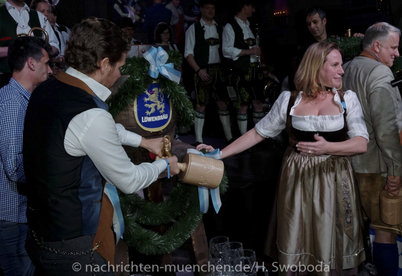 D160429-21375910-100-Nacht_der_Tracht
