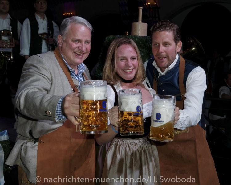 D160429-21395820-100-Nacht_der_Tracht