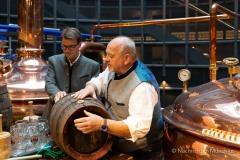Bayerische Bierkönigin lernt anzapfen 1