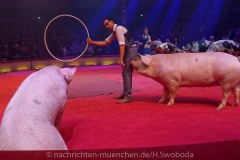 Circus-Krone-Hereinspaziert-Manege-frei-Premiere-028