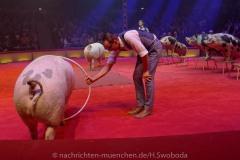 Circus-Krone-Hereinspaziert-Manege-frei-Premiere-029