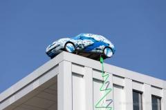 Kunstaktion-zur-IAA-Mobility-in-Muenchen-CLOUD-CAR-von-HA-Schult-neu-inszeniert-6-von-12