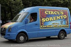 Hilfe-fuer-Marktkaufleute-und-Schausteller-Fahrzeugkorso-015