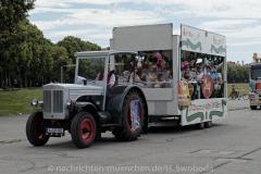 Hilfe-fuer-Marktkaufleute-und-Schausteller-Fahrzeugkorso-017