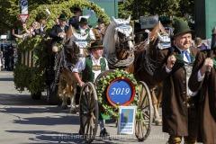 Einzug-der-Festwirte-und-Brauereien-2019-22-von-91