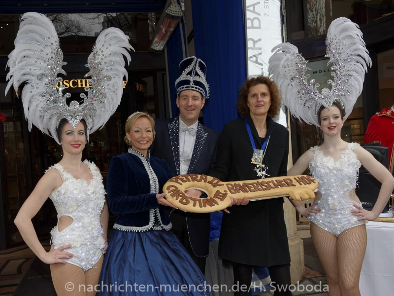 D170201-112236.300-100-Narrhalla-Einzug_Prinzenpaar_Bayerischer_Hof