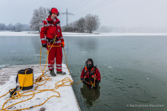 Eisrettung-Wasserwacht-Muenchen-43-von-65