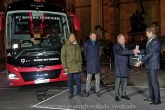 FCB - Busuebergabe Mannschaftsbus 0200