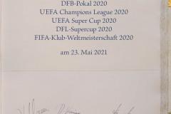 FC-Bayern-traegt-sich-ins-Goldene-Buch-der-Stadt-Muenchen-ein-15-von-15