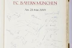 FC-Bayern-traegt-sich-ins-Goldene-Buch-der-Stadt-Muenchen-ein-2-von-15