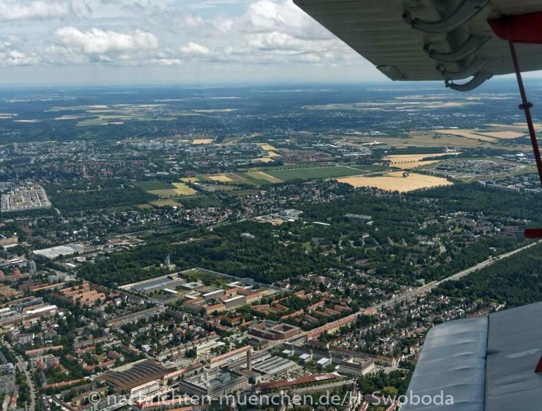 25 Jahre Flugwerft Schleissheim - Rundflug 0430