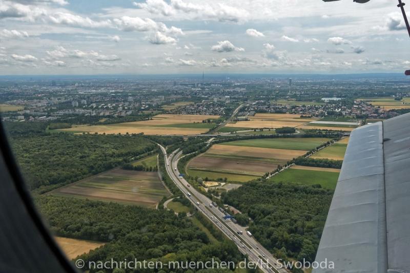 25 Jahre Flugwerft Schleissheim - Rundflug 0600