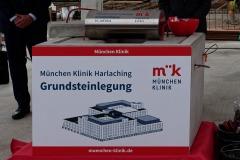 Grundstein-fuer-die-neue-Muenchen-Klinik-Harlaching-gelegt-8-von-38