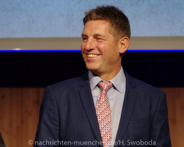 Jochen Schweizer Arena - Pressetag 1530