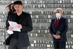 Kranzniederlegung-am-Mahnmal-der-KZ-Gedenkstaette-Dachau-13-von-42