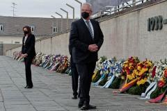 Kranzniederlegung-am-Mahnmal-der-KZ-Gedenkstaette-Dachau-6-von-42