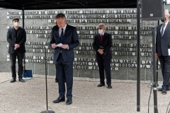 Kranzniederlegung-am-Mahnmal-der-KZ-Gedenkstaette-Dachau-7-von-42