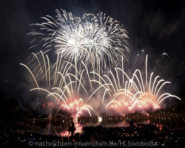 Sommernachtstraum - Feuerwerk 0070