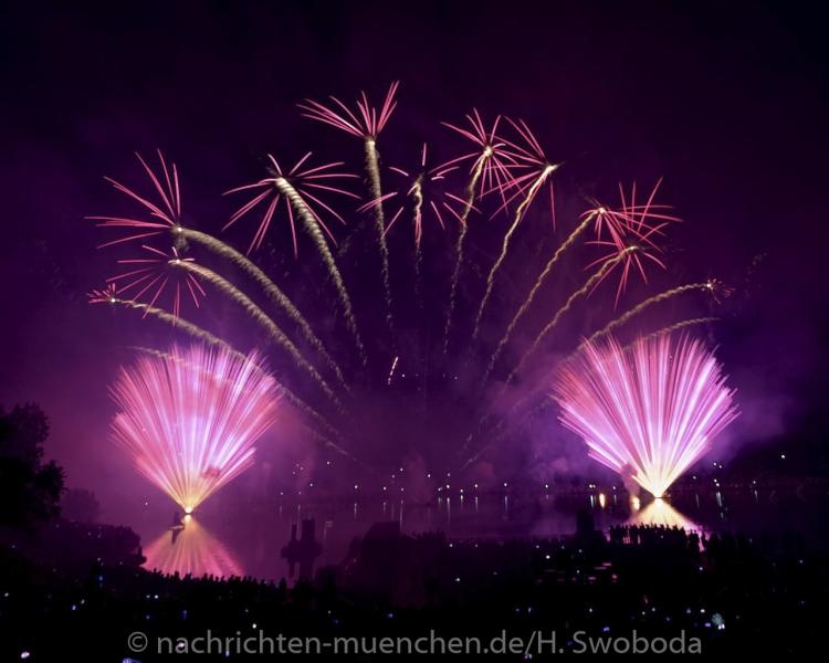 Sommernachtstraum - Feuerwerk 0200