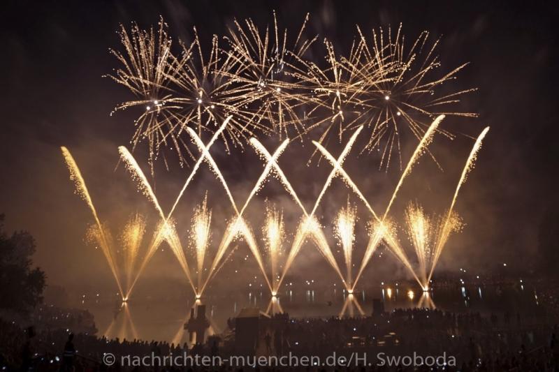 Sommernachtstraum - Feuerwerk 0240