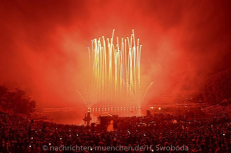 Sommernachtstraum - Feuerwerk 0330