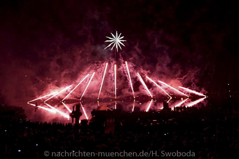 Sommernachtstraum - Feuerwerk 0450