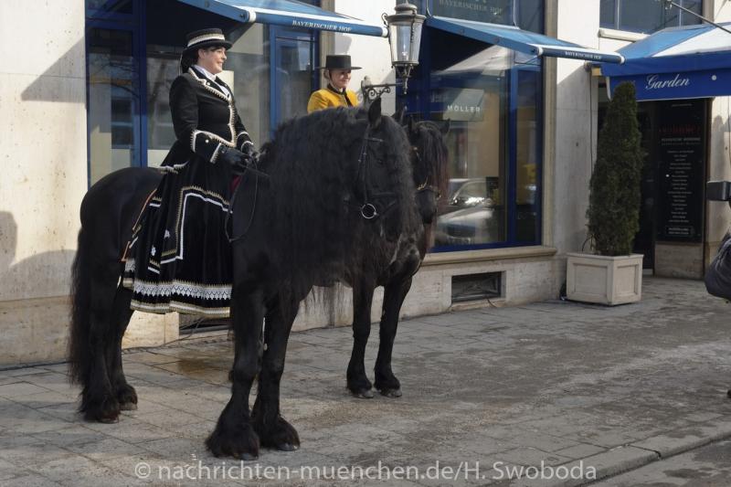Narrhalla Prinzenpaar 2016 - Einzug in die Prinzenresidenz im Hotel Bayerischer Hof