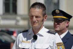 Neue-Radl-Uniform-fuer-die-Bayerische-Polizei_-17