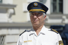 Neue-Radl-Uniform-fuer-die-Bayerische-Polizei_-19
