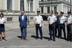 Neue-Radl-Uniform-fuer-die-Bayerische-Polizei_-20