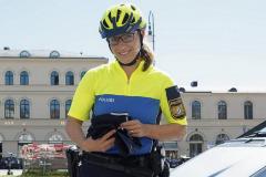 Neue-Radl-Uniform-fuer-die-Bayerische-Polizei_