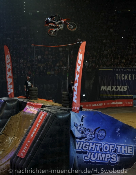 NIGHT of the JUMPs 2017 1210
