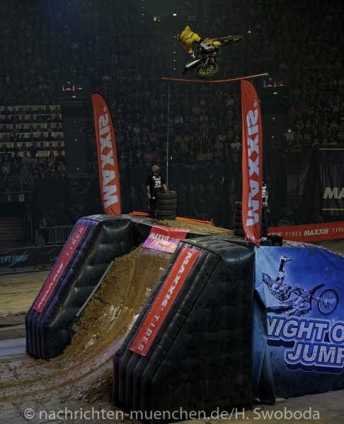 NIGHT of the JUMPs 2017 1230