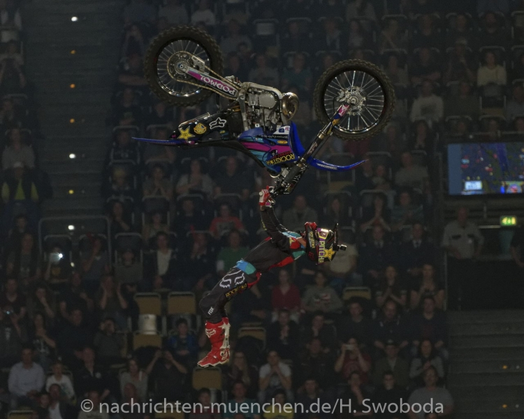 NIGHT of the JUMPs 2017 1630
