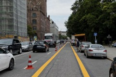 Muenchens-erste-Pop-up-Bike-Lane-001