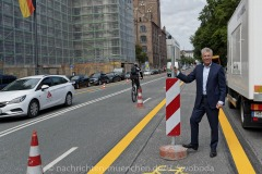 Muenchens-erste-Pop-up-Bike-Lane-004