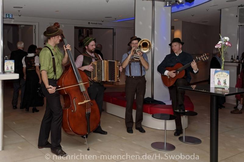 Oide_Wiesn_Buergerball - Saalfotos 0010