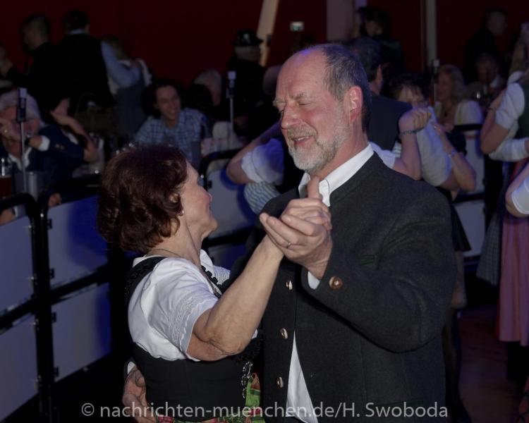 Oide_Wiesn_Buergerball - Saalfotos 0280