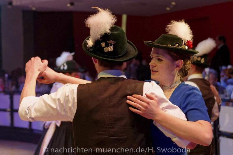 Oide_Wiesn_Buergerball - Saalfotos 0430