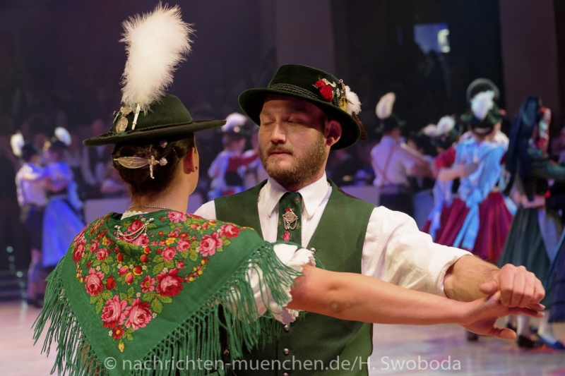 Oide_Wiesn_Buergerball - Saalfotos 0440