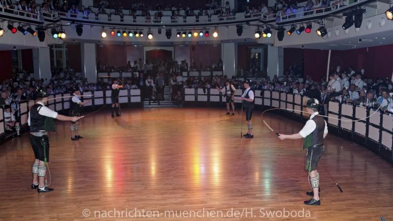 Oide_Wiesn_Buergerball - Saalfotos 0720