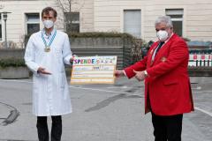 narrhalla-scheckuebergabe-an-Haunersche-Kinderklinik-0080