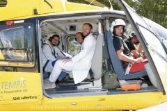 Schlaganfall-Experten mit Heli zum Patienten 0360