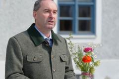 Wirtschaftsminister-Hubert-Aiwanger-sticht-ersten-Spargel-in-Schrobenhausen-20-von-44