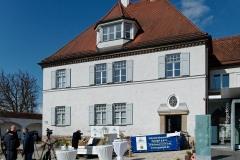Wirtschaftsminister-Hubert-Aiwanger-sticht-ersten-Spargel-in-Schrobenhausen-8-von-44