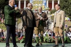 Standkonzert unter der Bavaria