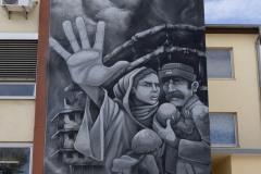 StopBombingCivilians-Haushohes-Graffiti-gegen-Bomben-auf-Wohngebiete-eingeweiht-13-von-62